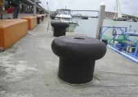 直型繫船柱